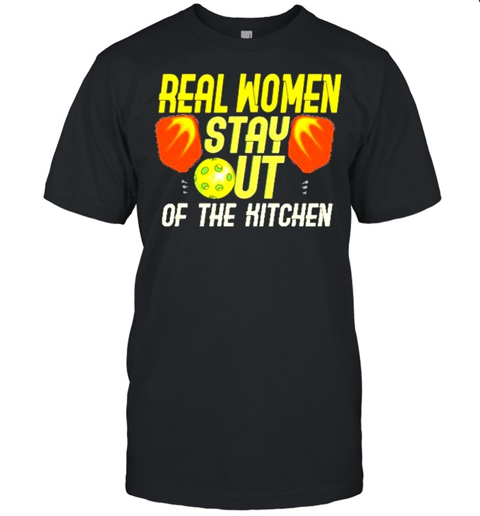 Real women stay out of the hitchen shirt Classic Men's T-shirt