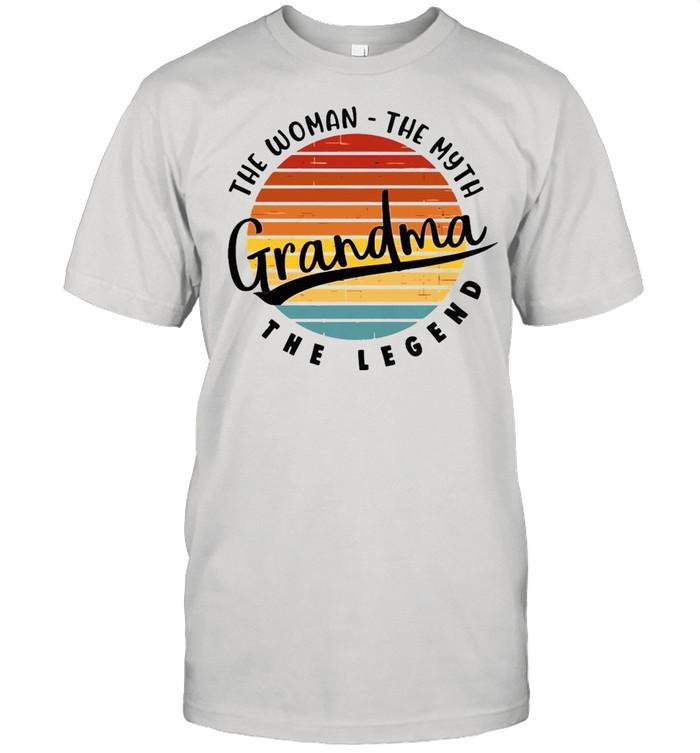 The Woman The Myth Grandma The Legend Vintage Retro T-shirt Classic Men's T-shirt