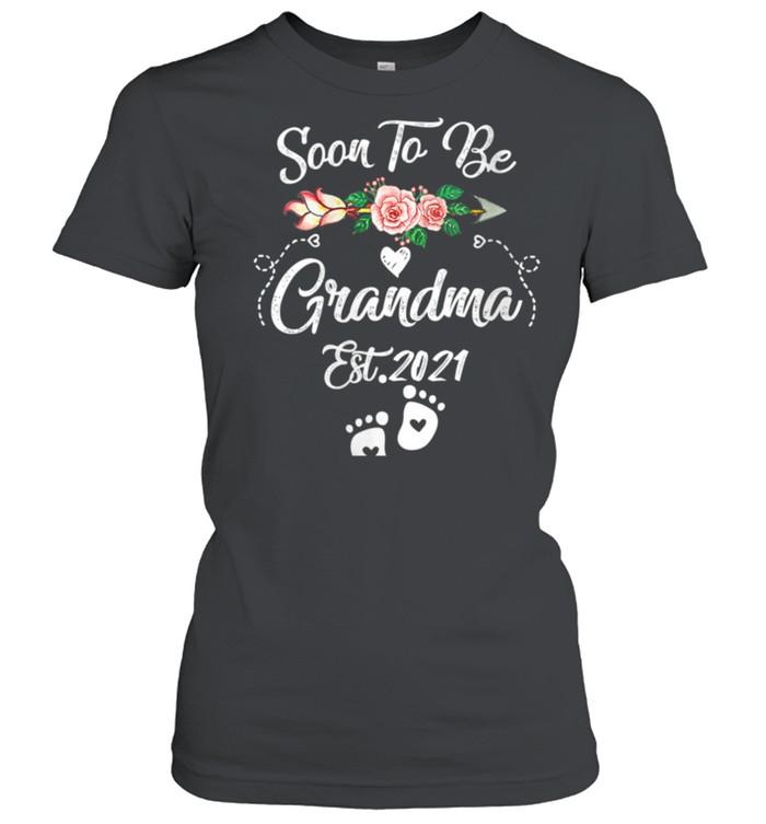 Womens Soon to be Grandma 2021 Mother's Day For Grandma Pregnancy shirt Classic Women's T-shirt